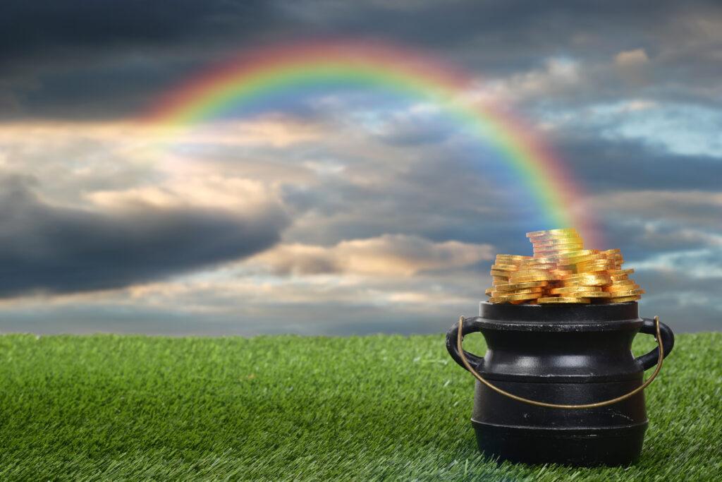 Pot d'or à la fin d'un arc-en-ciel